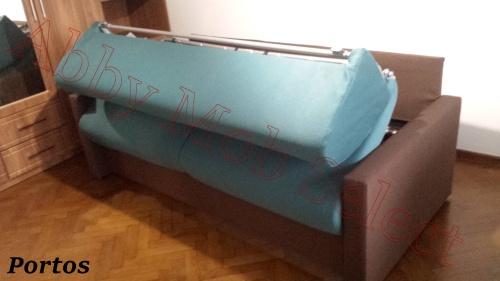 Canapea cu saltea de 18 cm inclusa.