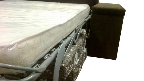 Canapea extensibila sistem metalic.