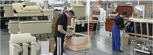 Sectie productie canapele din piele.