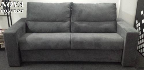 Canapea extensibila cu saltea inclusa.
